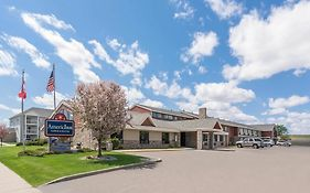 Americinn Fargo West Acres