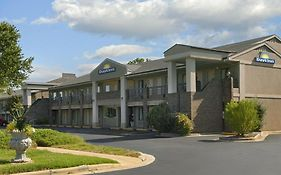 Days Inn Glenwood Crabtree Reviews