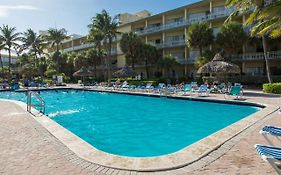 Days Hotel Thunderbird Beach Resort Sunny Isles Beach Fl