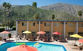 Cambridge Inn Palm Springs