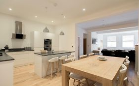 The White Wood Forest Jewellery Quarter 3Bdr Home