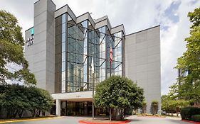 Embassy Suites Atlanta Perimeter