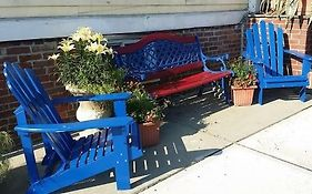 The Burbank Rose Bed & Breakfast Newport