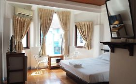 Relax Guesthouse Patong