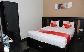 Milano Guest House Palu