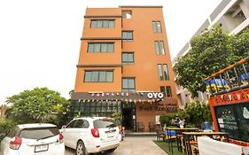 Oyo 127 D-Well Residence Hotel photos Exterior