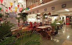 Fun Cafe And Hostel