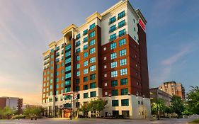 Hampton National Harbor 3*