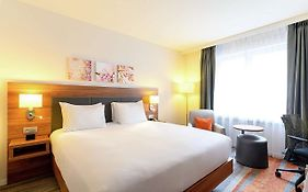 Hilton Garden Inn City Centre  4*