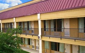 Lincoln Inn & Suites Brookhaven