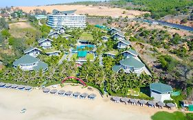 Sandunes Beach Resort 4