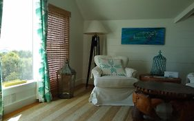 Surf Song Bed And Breakfast