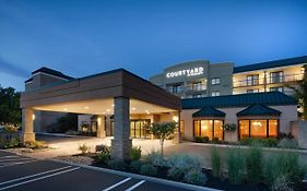 Courtyard Marriott Beachwood