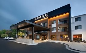 Marriott Courtyard Grand Rapids Airport