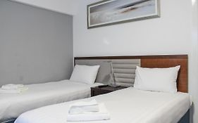 Heathrow Lodge Reviews