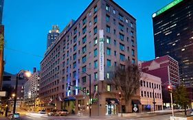 Holiday Inn Express & Suites Downtown Atlanta