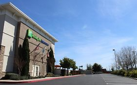 Holiday Inn Express Napa 3*