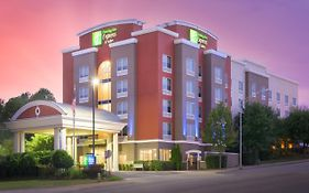 Holiday Inn And Suites Chattanooga Tn