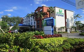 Holiday Inn Express in Davie Florida
