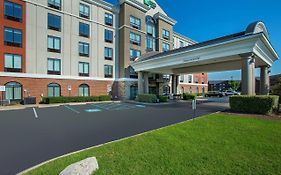 Holiday Inn Express Lebanon Tn