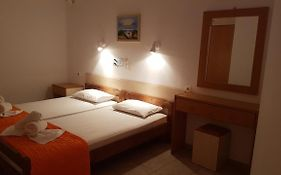 Andys Plaza Hotel Apartments Crete Island