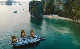Paradise Luxury Sails Cruise