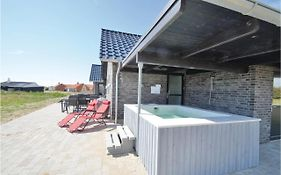 Eight Bedroom Holiday Home in Vestervig