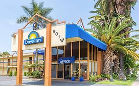 Days Inn Airport Center Lax