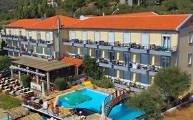 Pebble Beach Aparthotel Plomari