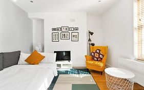 Chic & Contemporary 2 Bed Flat Sleeps 6 In Soho