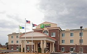 Holiday Inn Express Pembroke North Carolina