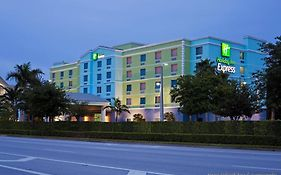 Holiday Inn Express & Suites Ft. Lauderdale Airport/cruise