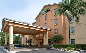 Holiday Inn Express Bonita Springs Fl