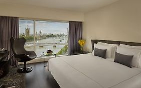 Riverside Park Plaza London
