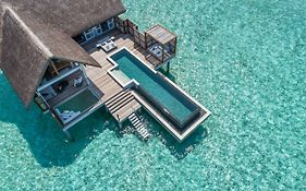 Four Seasons Maldives Landaa Giraavaru