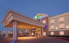 Holiday Inn Eagle Pass