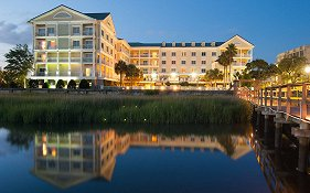 Courtyard by Marriott Charleston Waterfront