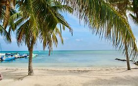 Holiday Hotel Ambergris Caye Belize