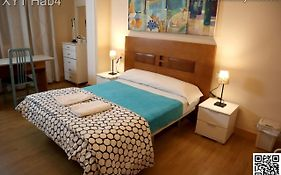 Xy Travellers Guest House Valencia