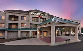 Marriott Courtyard Topeka