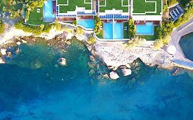 Grand Resort Lagonissi Παραλια