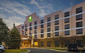 Holiday Inn And Suites Bolingbrook Il
