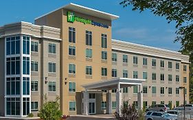 Holiday Inn Express & Suites Norwood Boston Area