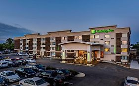 Holiday Inn Cleveland Northeast