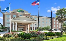 Holiday Inn Express Gonzales