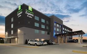 Holiday Inn Express Kingdom City