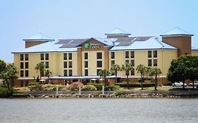 Holiday Inn Express Rocky Point Island Tampa