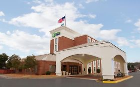Holiday Inn Express Southpoint Fredericksburg