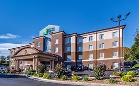 Holiday Inn Express Wytheville Virginia 2*