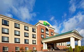 Holiday Inn Express Utica Mi